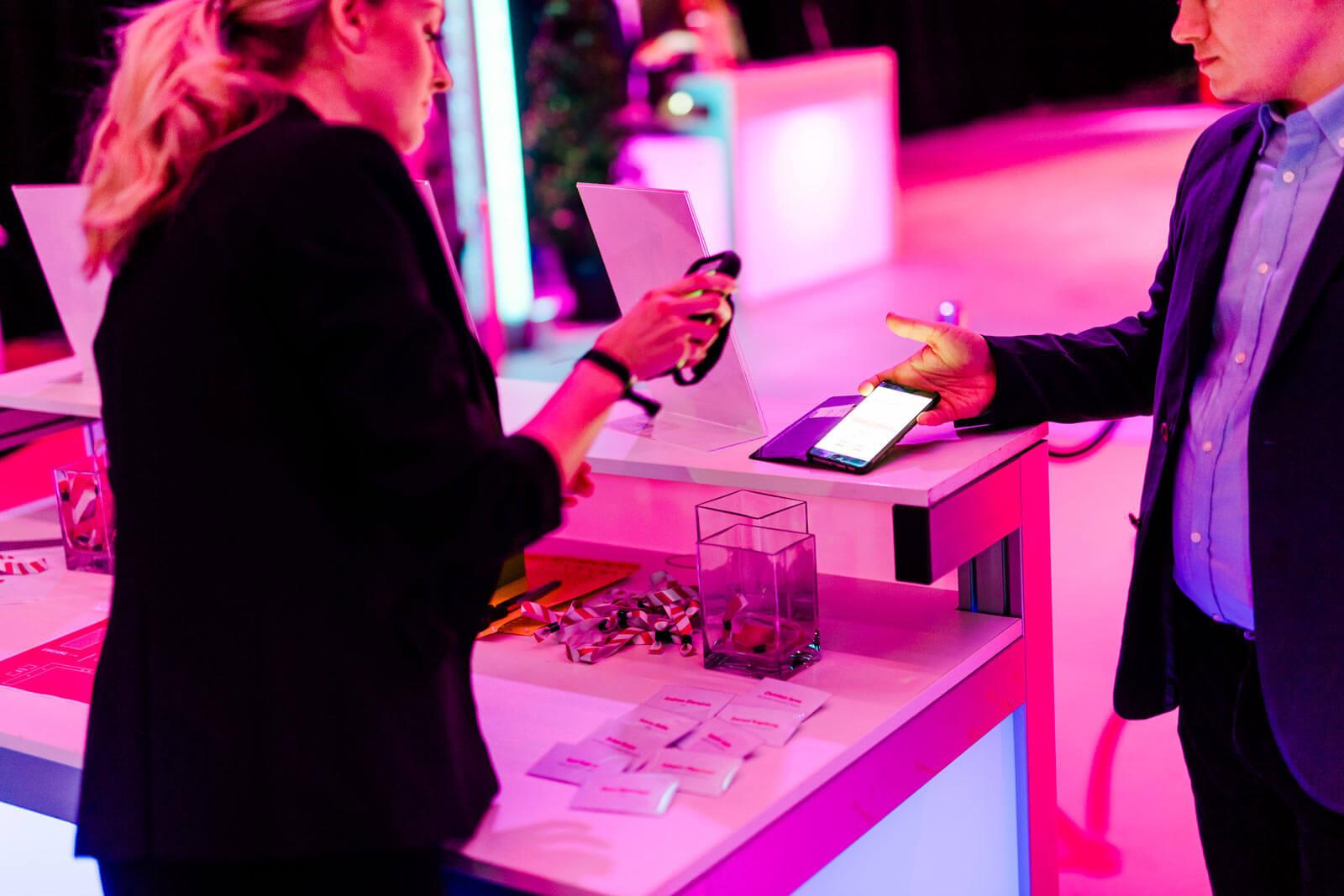 Check-in eines Teilnehmers bei einer Veranstaltung